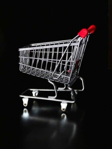 Chariot de courses hypermarchés